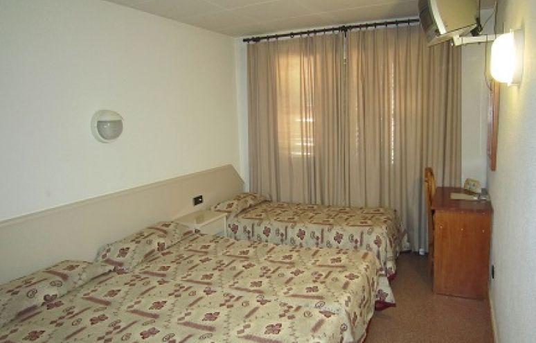 Dreibettzimmer (2 Erwachsene + 1 Kind)